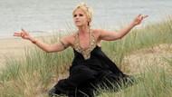 Ünlü şarkıcı gözaltına alındı