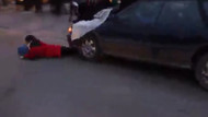 Göstericileri arabayla ezmek istedi!