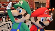 Suyu kesilenlerin yardımına Süper Mario koşuyor