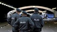 Üç Türk'e Almanya'da MİT gözaltısı!