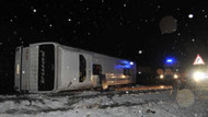Sivas'ta yolcu otobüsü devrildi: 51 yaralı!