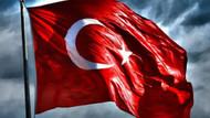 Antalya ve Hatay'da Türk bayrağına saldırı