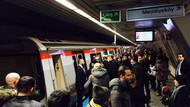 İstanbul'da metroda mahsur kalanlar var!