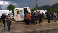 Partilileri taşıyan minibüs devrildi: 18 yaralı