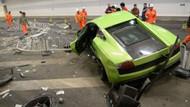 Ferrari ile Lamborghini'yi perte çıkaran gençlere ceza!