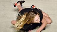 Candice Swanepoel podyumda tepe taklak oldu