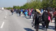 Binlerce mülteci otoyolda Edirne'ye yürüyor