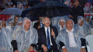 Kılıçdaroğlu yağmur altında konser izledi