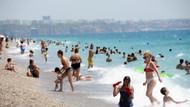 Antalya'da sahiller doldu taştı