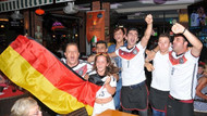 Alman turistlerin kupa sevinci