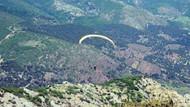 500 metreden yere çakıldı.. Paraşütçünün feci ölümü