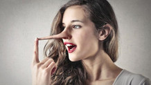 Karşınızdakinin yalanını nasıl anlarsınız?