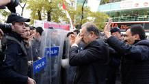 CHP'li milletvekillerine gazlı müdahale!
