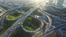 Mahmutbey kavşağında trafik felç, çıkış yok
