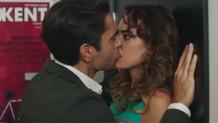 Kadir Doğulu ve Seda Bakan'ın öpüşme sahnesi