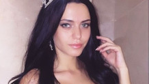 Adriana Lima'nın ikizi Türk model birinci oldu