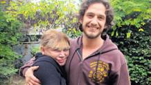 Mithat Can Özer'den annesi Sezen Aksu'ya şarkı