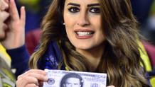 Fenerbahçe taraftarından Gökhan Gönül'e şok pankart