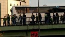 Yenibosna'da silah sesleri.. Köprünün altına saklandılar