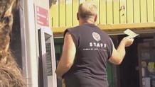 ATM'de para unutma sosyal deneyi