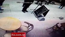 Beyoğlu'ndaki binanın çökme anında yaşananlar kamerada