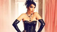 Hande Yener tacizci hayranını yakalattı!