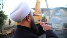 Mahmut Efendi Külliyesi yıkımında selfie