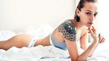 Dövmeli seksi güzel: Didem Soydan
