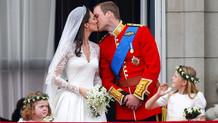 Ünlülerden ikonik aşk öpücükleri
