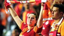 Galatasaray-Fenerbahçe maçı tribün fotoğrafları (2)