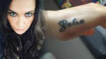 Hülya Avşar kızının adını dövme yaptırdı