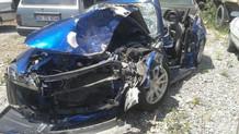 Periscope'ta yayın yaparken Mustafa Alabora'nın otomobiline çarptı
