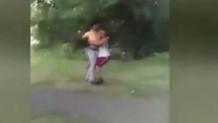 Tecavüz girişiminde bulunan adamı öldüresiye dövdü!