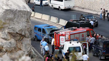 Antalya'da askeri aracın geçişi sırasında patlama!