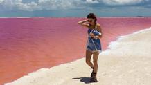 Muhteşem göl doğal pembe rengiyle sizi sizden alacak!