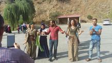 Yol kesen PKK'lılarla halay çekti, gözaltına alındı