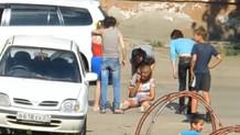 Rus kızları sokak ortasında öyle bir kavga etti ki...