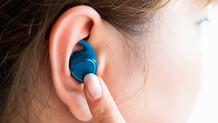 Kulak içi kulaklıklar işitme kaybına yol açıyor mu?