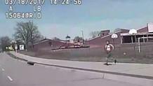 Ülkeyi sarsan görüntü! Polis kadını ezdi geçti