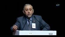 Galatasaraylılar bakanın babasını yuhladı