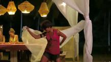 Sabriye'den dans gösterisi