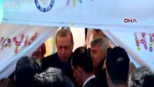 Cumhurbaşkanı Erdoğan, Sarıyer'de Hayır standına uğradı