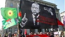 İsviçre'deki skandal pankartı anarşist örgüt üstlendi