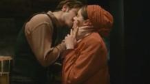 Vatanım Sensin'de Hilal ve Leon öpüşmesi olay oldu