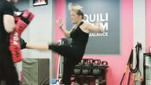 Ellie Goulding kickboksla stres atıyor