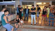 Marmaris'te otel kapısında kalan tatilcilerin çilesi sürüyor!