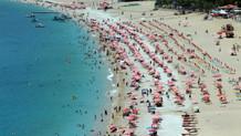 Fethiye plajlarında havlu atacak yer kalmadı