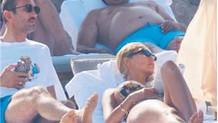 Kaleci Rüştü'den Işıl Reçber'e seksi bikini uyarısı