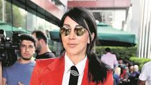 Hande Yener 15 Temmuz anma törenindeki ilginç kıyafetine servet harcamış