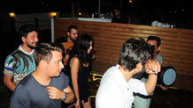 Asena Atalay barda bakın kiminle görüntülendi!